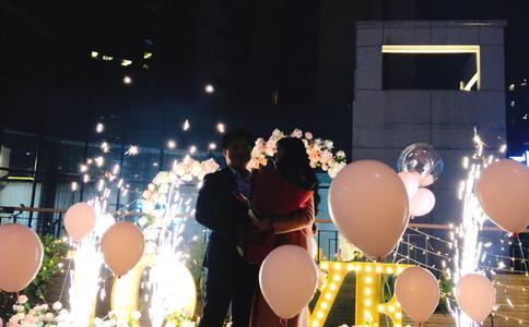 四种浪漫实用的求婚方式哪款属于你