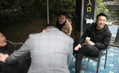 大庆市三永湖广场惊喜求婚 女友当场感动