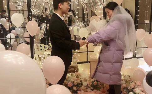 超浪漫惊喜无锡求婚视频:小伙酒店创意求婚成功