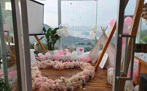 邯郸新世纪广场的浪漫求婚:当美容师遇到按摩师