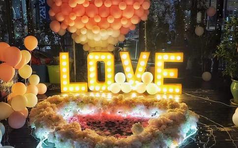 深圳浪漫求婚方式有哪些?给女友一场刻骨铭心的求婚吧