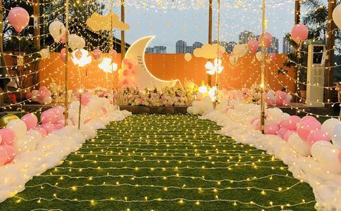 深圳宝安公园求婚 万只LED灯平成巨大520
