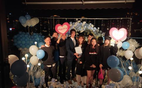 郑州浪漫感人求婚视频 生日派对创造浪漫惊喜求婚