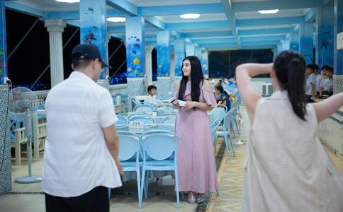 布置什么样的浪漫求婚场景才浪漫?室内求婚表白场景布置图片