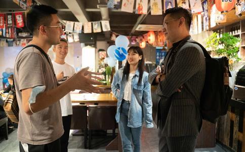武汉美女帮客户策划浪漫求婚 3个月却被万圣谷惊喜求婚