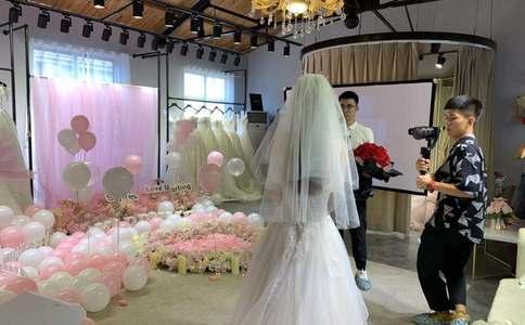 苏州虎丘惊喜求婚 一见钟情的浪漫情缘