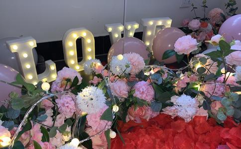 宁波温馨求婚方式 浪漫KTV大声唱出你的爱