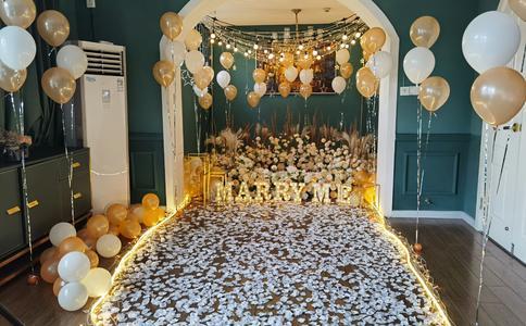 520夜晚人偶熊之电影院求婚 影院求婚给你最难忘的惊喜