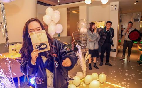 深圳咖啡厅求婚创意 三个月精心造惊喜