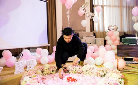 武汉经典求婚创意 回味曾经的校园浪漫