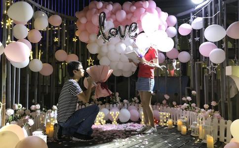 感情是种妙不可言的东西 东莞小伙浪漫视频表白求婚