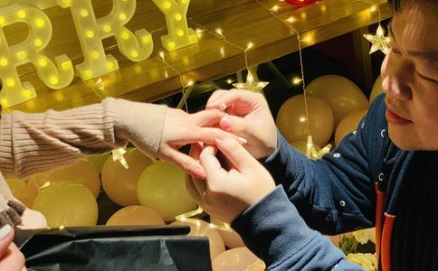 国外感人求婚方式有哪些?国外最感人的求婚方式推荐
