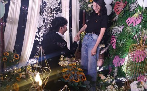 武汉商场LED屏红毯求婚 我要给你最轰动的爱