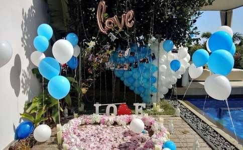淄博上演温馨浪漫广播求婚 真情音乐感动在场所有人