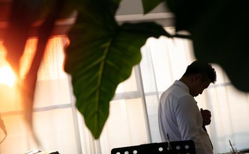 珠海求婚  求婚時選對了鮮花結果就不同