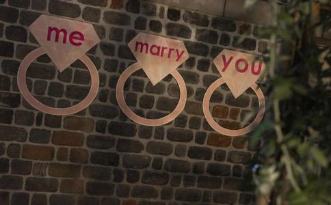 异地恋向女友求婚方式有哪些?异地恋求婚方式推荐