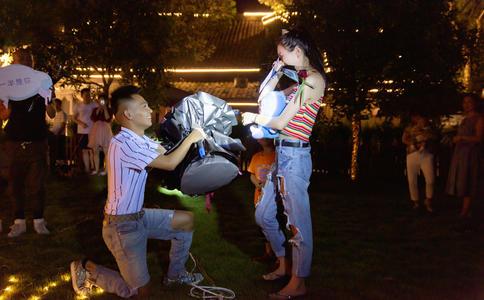 徐州浪漫求婚创意 新颖的求婚轻易俘获爱人的芳心