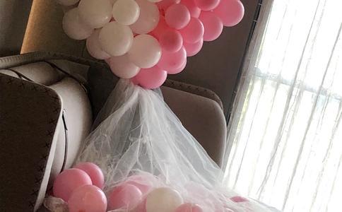 杭州武林门轰动求婚 99路人力挺穷小子