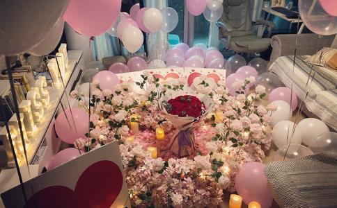潍坊公园放风筝浪漫求婚创意 放飞属于你我的幸福