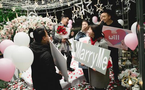石家庄温馨简单求婚创意 为她打造一个幸福小家