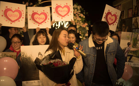 漳州ktv包房求婚布置教程,漳州ktv包房浪漫求婚策划