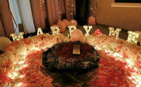 重庆广场浪漫求婚方式大盘点 许她一世安稳的幸福