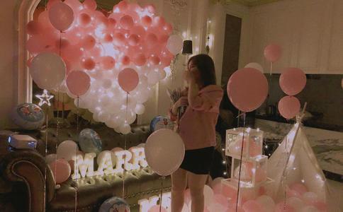 哈尔滨师范大学浪漫求婚 母校结束7年爱情长跑
