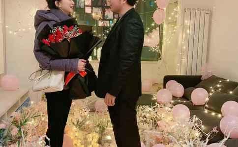 浪漫其实挺简单 大连男生向心爱女生求婚女友惊喜万分