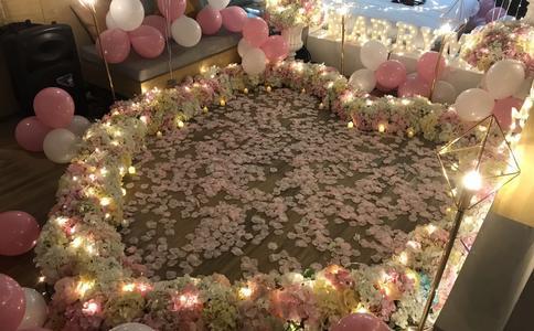 用搞笑的求婚宣言向你求婚   广州浪漫求婚方式