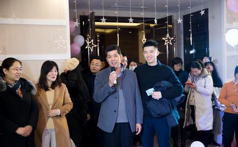 武汉快闪求婚方式盘点 2015经典浪漫求婚大集合