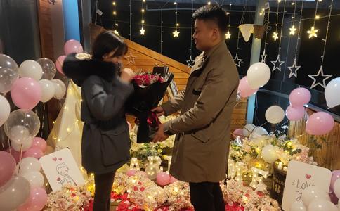 郑州最浪漫的求婚创意 分分钟抱得美人归