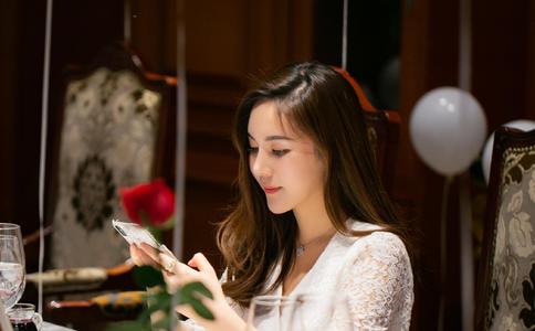 杭州伊美酒店感人求婚一幕 给你一生浪漫承诺